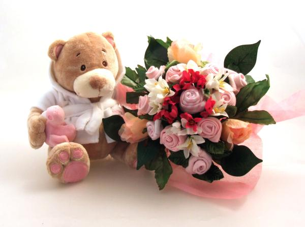 Pink Bathtime Bear & Medium Bouquet